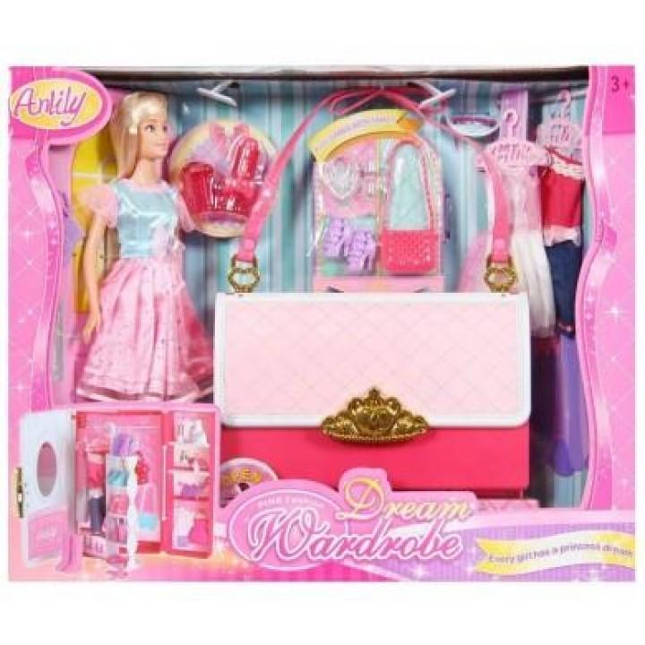 Кукла и сумочка-гардероб