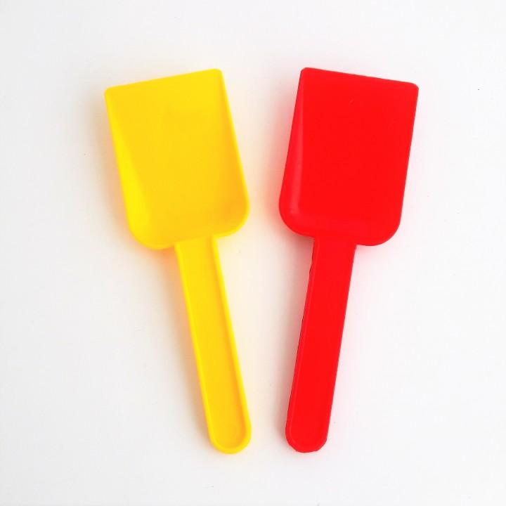 Совок (жёлтый,синий,красный,зеленый)